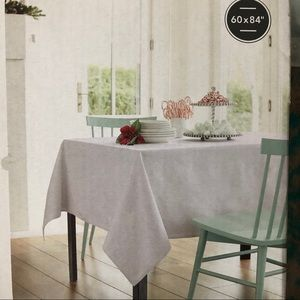 NWT Threshold white textured oblong tablecloth
